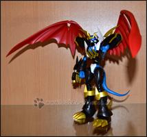 Imperialdramon in Dreiviertel-Pose mit ausgeklappten Flügeln