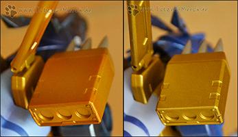 Vergleich der goldenen Metallteile (links neu, rechts alt)