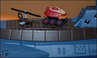 Detailaufnahme von Grakam/Gratan und Jeans Flugzeug auf dem Deck der Nautilus ;)