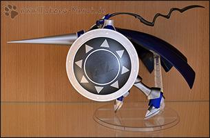 Mit dem Ständer kann man ChaosDukemon schön in rennende oder fliegende Posen bringen =)