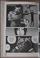 Der Bär Koslov beschützt Ion und hat sie aufgezogen